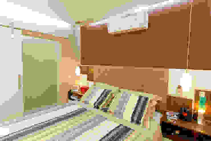Bedroom by Raphael Civille Arquitetura, Minimalist