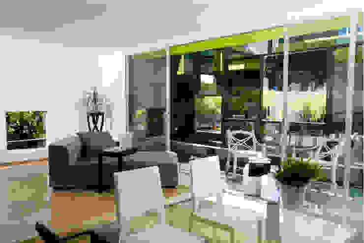 TREVOX Balcones y terrazas modernos de Craft Arquitectos Moderno