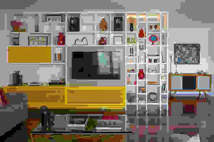 apartamento LAC Salas de estar modernas por Raquel Junqueira Arquitetura Moderno