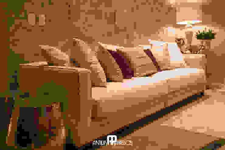 Projeto 1 Salas de estar clássicas por Ilana Santiago Arquitetura Clássico