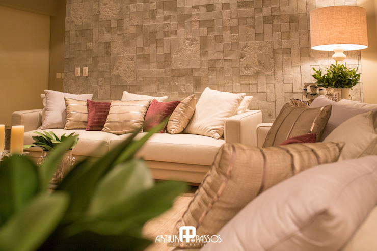 Classic style living room by Ilana Santiago Arquitetura Classic