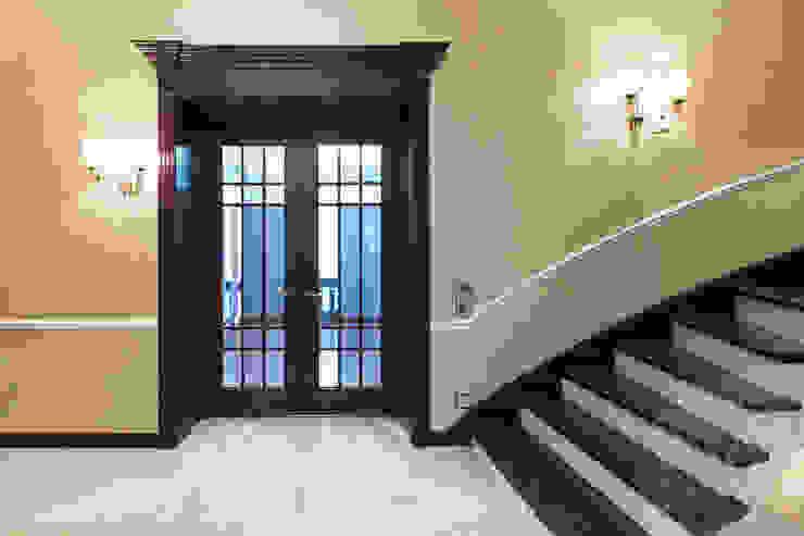 Двери дубовые межкомнатные с карнизом от Lesomodul Эклектичный