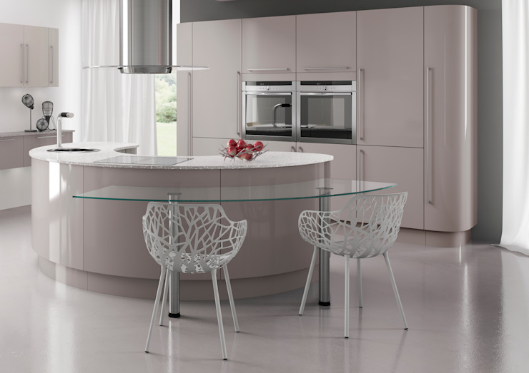 Nixon Gloss Island in Heritage Grey | Sigma 3 Kitchens di Sigma 3 Kitchens Moderno