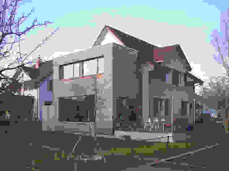Moderne huizen van 5 Architekten AG Modern