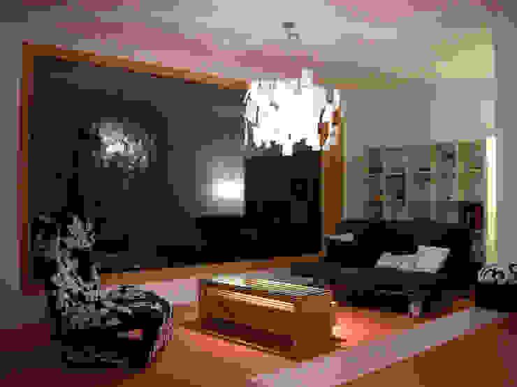 Moderne woonkamers van 5 Architekten AG Modern