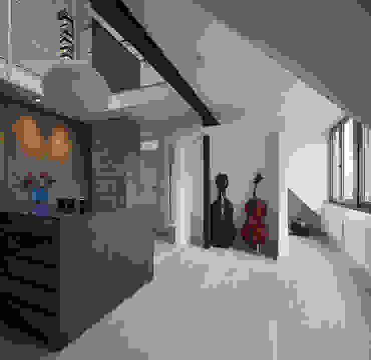 Innenansicht Galerie Moderne Ankleidezimmer von Gerstner Kaluza Architektur GmbH Modern