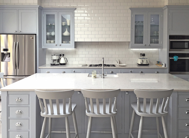 Kitchen by Simon Benjamin Furniture,