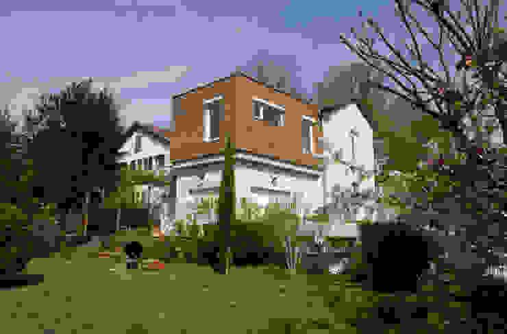 Extension vu du jardin Maisons modernes par RGn architecte Moderne