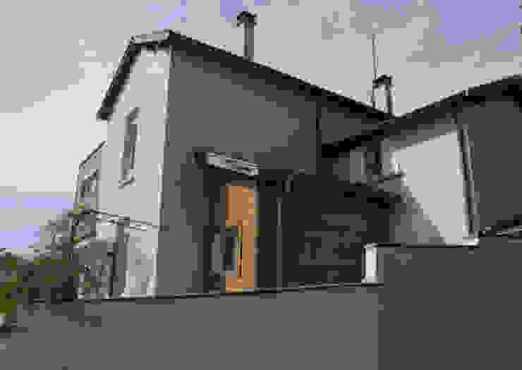 Projet vu de l'espace public Maisons modernes par RGn architecte Moderne