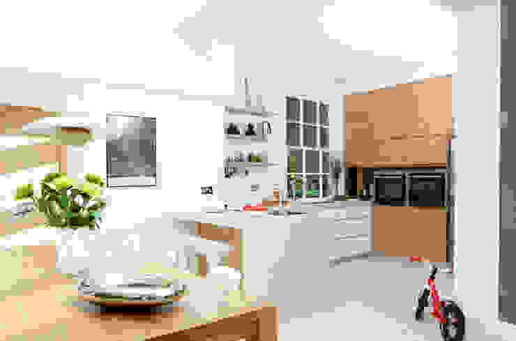 Fielding Road:  Kitchen by Hamilton King,