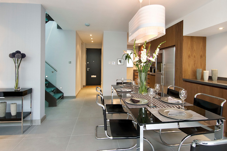 Renovation of a Mews House central London Saunders Interiors Ltd Modern kitchen