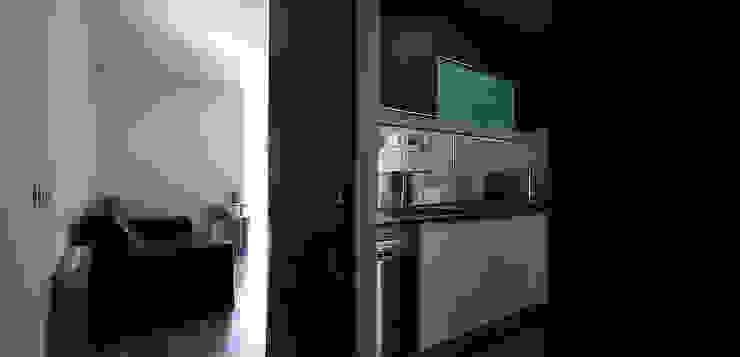Una nueva vivienda en el piso de toda la vida… en Barri Porta, Barcelona. Cocinas de estilo minimalista de XTe Interiorismo Minimalista