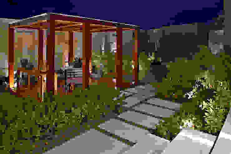 Jardines de estilo  por CP Paisagismo, Moderno