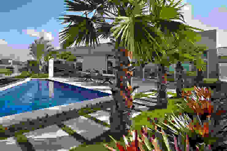 Modern style gardens by CP Paisagismo Modern