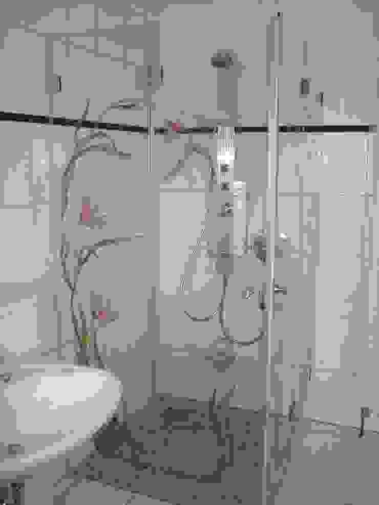 Glaserei Schmitt Baños de estilo ecléctico