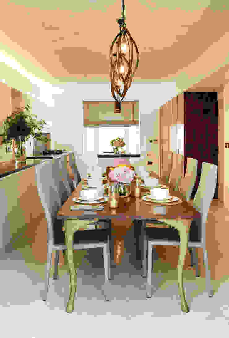 Dining room Salle à manger moderne par Camouflage Moderne
