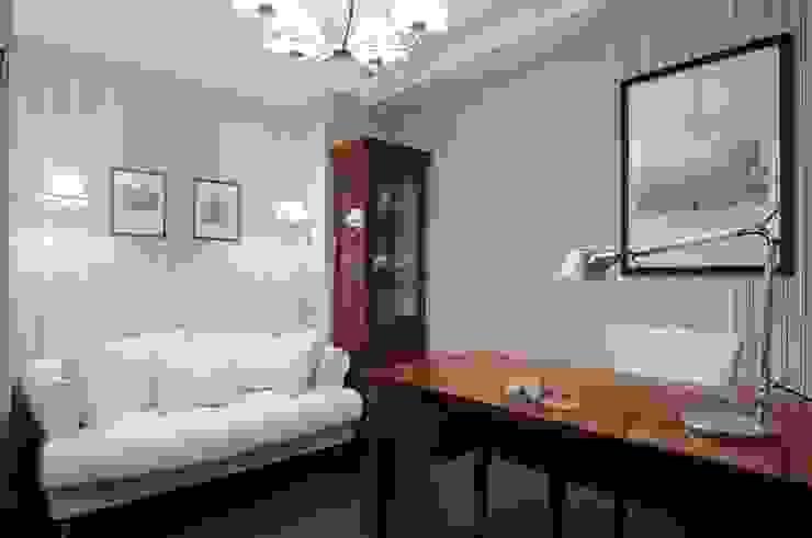 Квартира как номер-сьют в отеле. Рабочий кабинет в классическом стиле от Меречко Людмила Классический