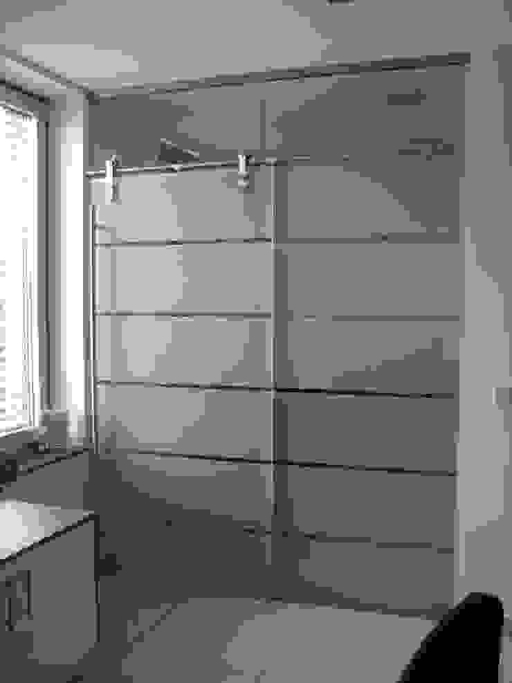 Glaserei Schmitt Closets de estilo moderno