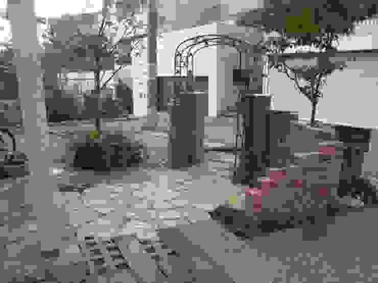 アーテック・にしかわ/アーテック一級建築士事務所 Country style garden