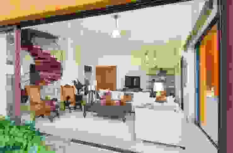 CASA MÉXICO ВітальняСтолики та лотки