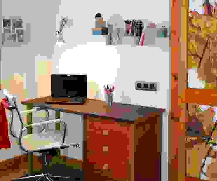 ZONA DE ESTUDIO Dormitorios de estilo ecléctico de DEINDE Interiorismo Ecléctico