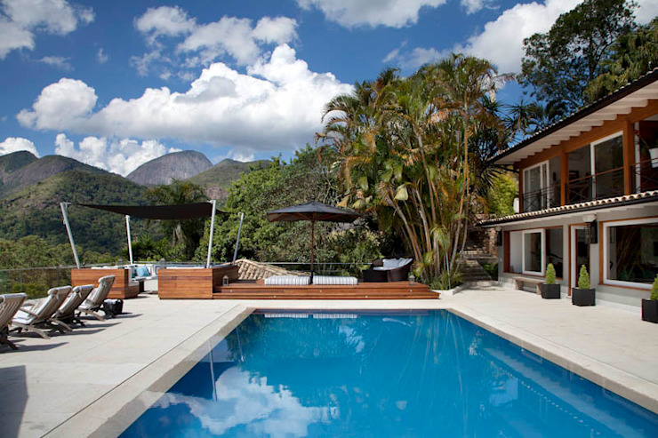 Raquel Junqueira Arquitetura Pools im Landhausstil