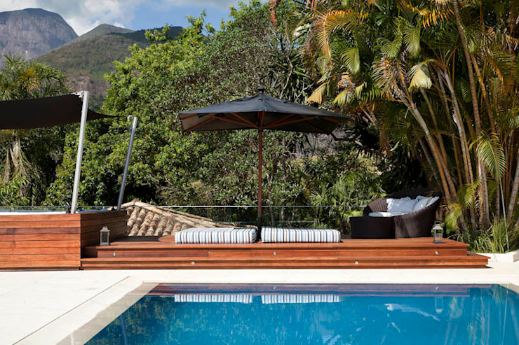 Country style pool by Raquel Junqueira Arquitetura Country