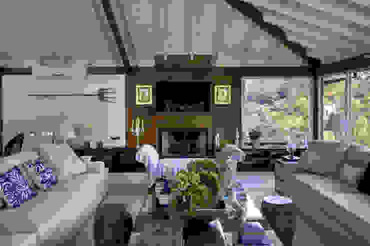 Wohnzimmer im Landhausstil von Raquel Junqueira Arquitetura Landhaus