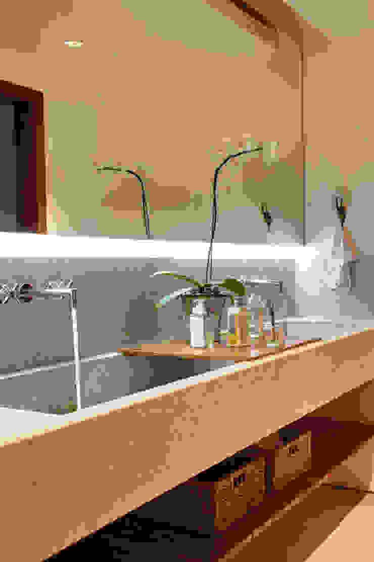 casa CR Raquel Junqueira Arquitetura Banheiros modernos