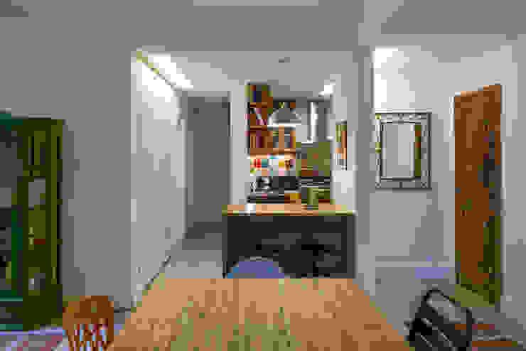 APARTAMENTO KG Salas de jantar modernas por Raquel Junqueira Arquitetura Moderno