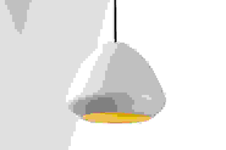 Ross Gardam Glaze ceramiczna, ręcznie formowania lampa sufitowa z Australii od ilumia.pl Skandynawski