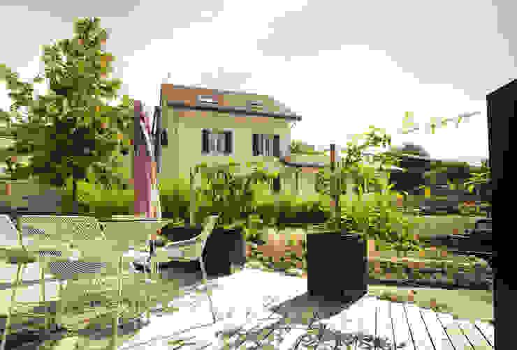 Bacs Image'In / Treillis pour plantes grimpantes Balcon, Veranda & Terrasse originaux par ATELIER SO GREEN Éclectique