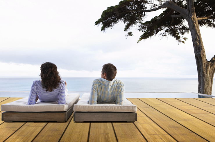 Exclusieve brede bamboe terrasplanken in coffee kleur. Moderne balkons, veranda's en terrassen van Veluwood B.V. Modern