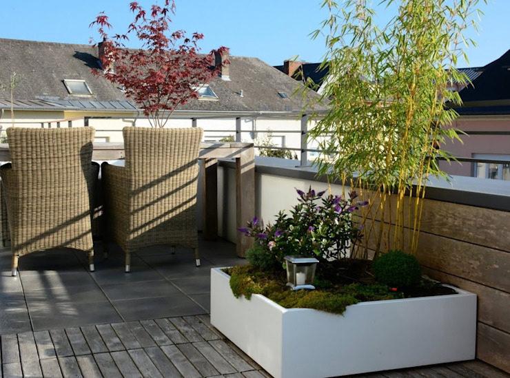 Custom planters IMAGE'IN - Designing of a private terrace in Luxembourg ATELIER SO GREEN GiardinoFioriere & Vasi