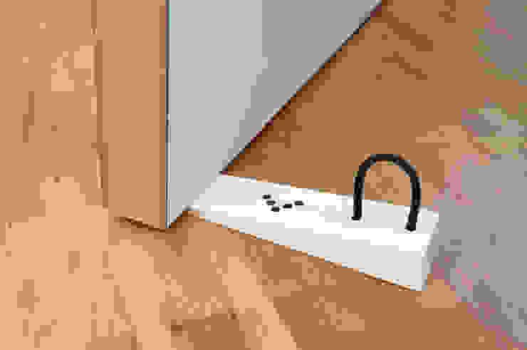 Pour un cale porte design et fonctionnel par Mon Entrée Design.com Moderne
