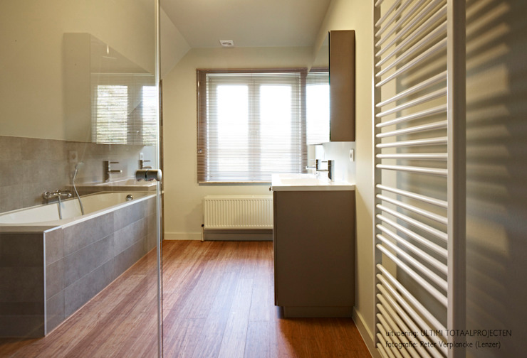 Bamboe Moderne badkamers van Punto Verde Bamboe toepassingen Modern