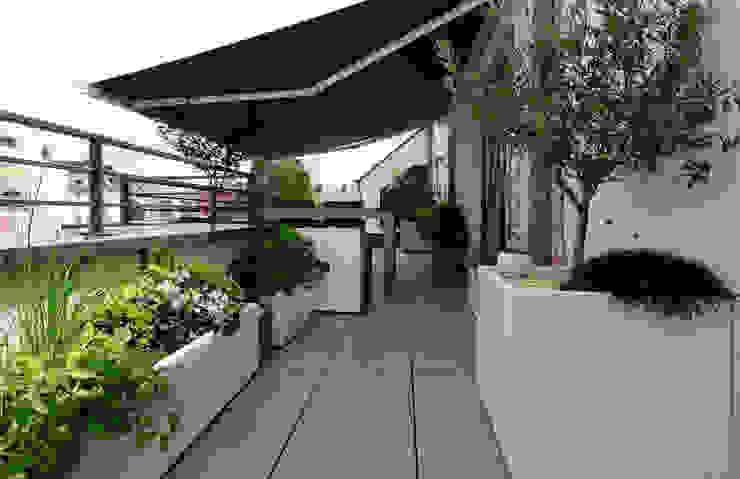 Jardinières sur mesure Image'In Balcon, Veranda & Terrasse modernes par ATELIER SO GREEN Moderne