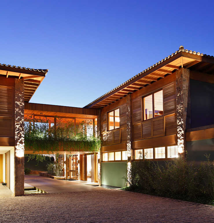 Casa de Pedra Casas coloniais por Erick Figueira de Mello Arquitetura e Interiores Colonial