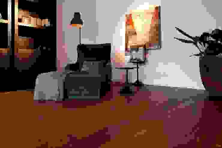 Houten vloer | Sucupira | Leeshoek | Bibliotheek Moderne muren & vloeren van BVO Vloeren Modern