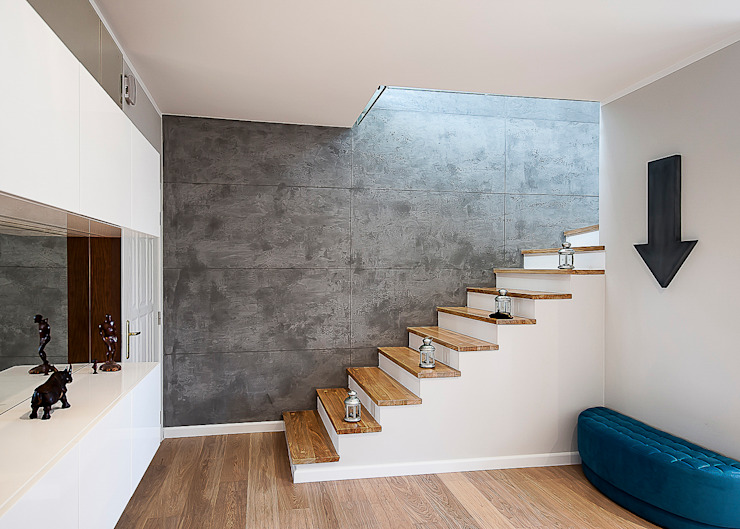 Modern Corridor, Hallway and Staircase by Inspiration Studio Modern