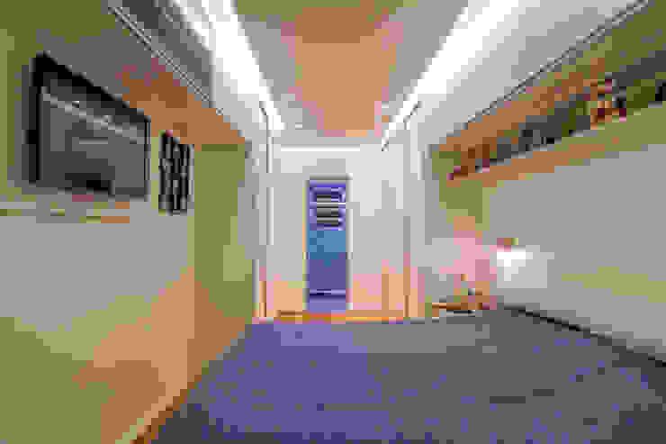 Minimalistische Schlafzimmer von Raphael Civille Arquitetura Minimalistisch