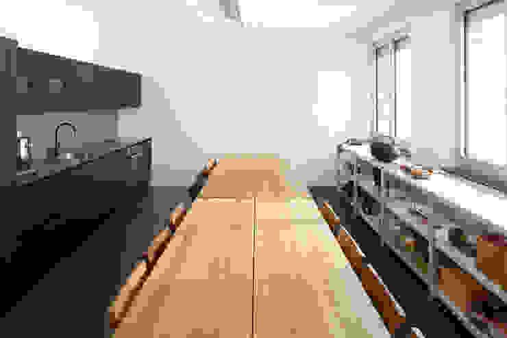 e15 Headquarter, Frankfurt, Germany by Philipp Mainzer Office for Architecture Сучасний