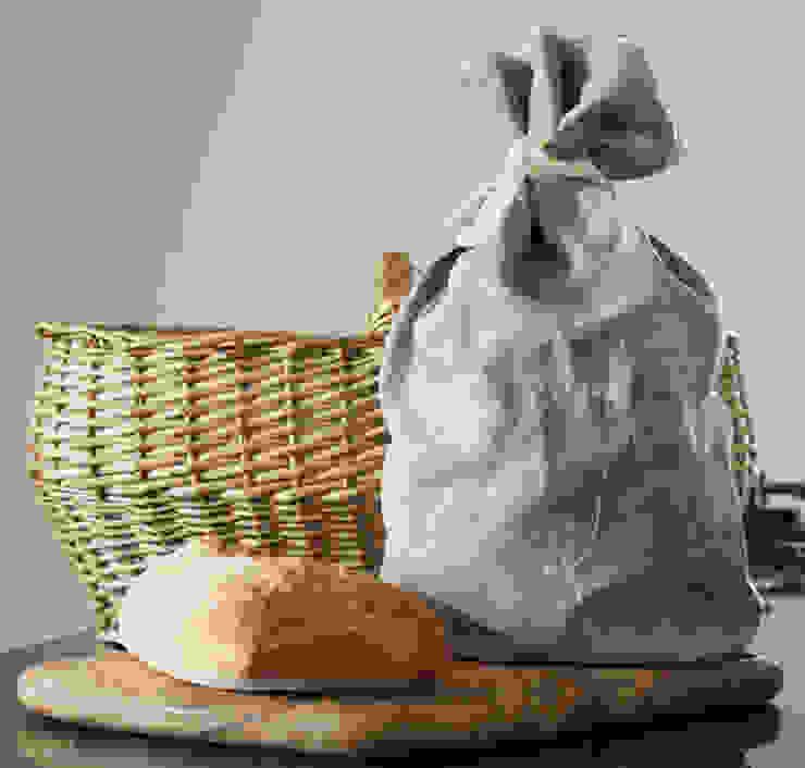 Hedgerow Collection - Hand Printed Linen Bread Bag von Helen Round Landhaus