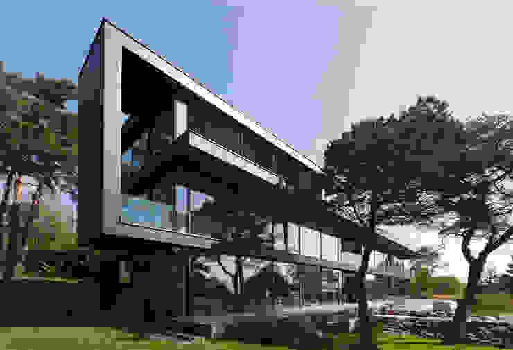 Minimalistyczne domy od Architekt Zoran Bodrozic Minimalistyczny