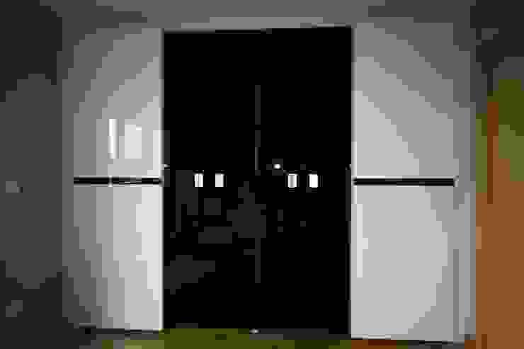 Armario - Wardrove: modern  by Muebles San Jose,Modern