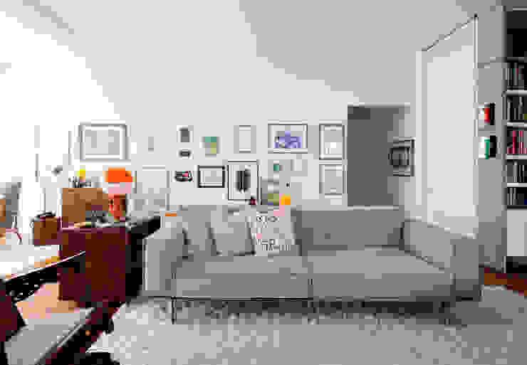 Zemel+ ARQUITETOS Living roomSofas & armchairs