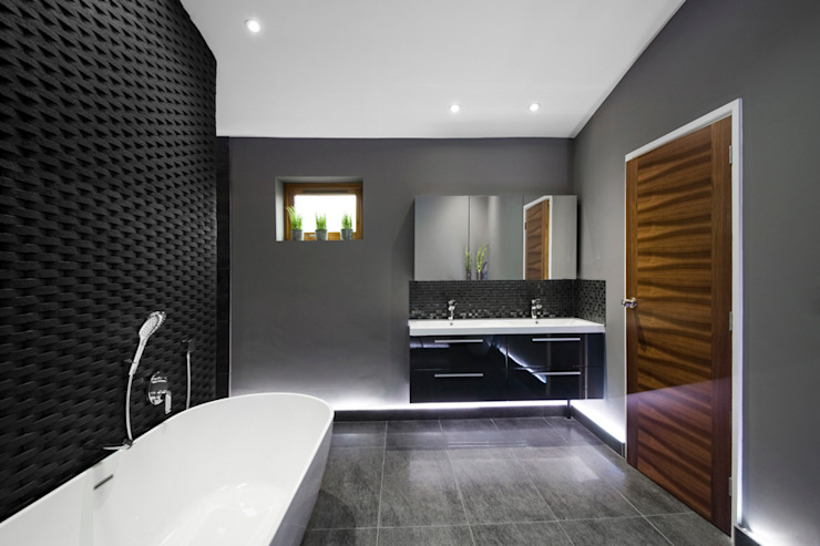 Rock Star Bathroom by Lisa Melvin Design Сучасний