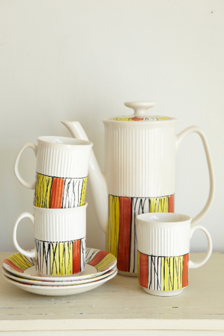Mid-century coffee pot with cups and saucers The OK Corral KitchenCutlery, crockery & glassware