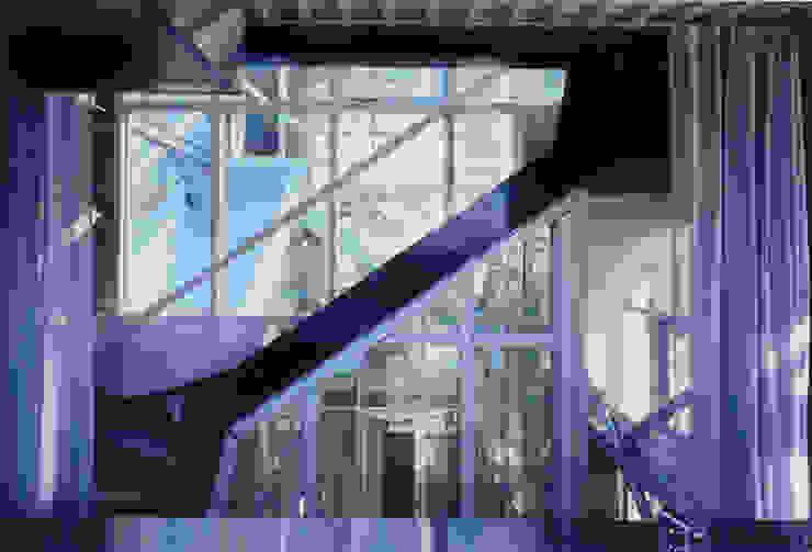 2階 兄世帯階段 モダンスタイルの 玄関&廊下&階段 の 井戸健治建築研究所 / Ido, Kenji Architectural Studio モダン