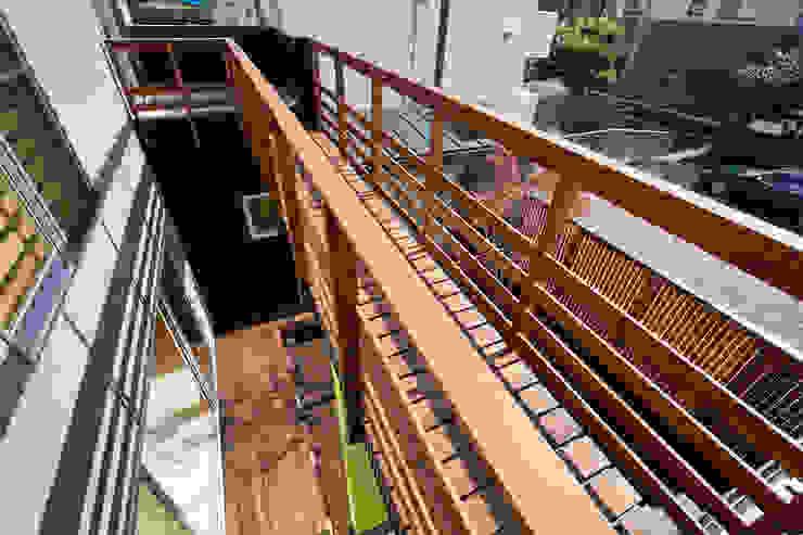 Дома в стиле модерн от 株式会社山岡建築研究所 Модерн